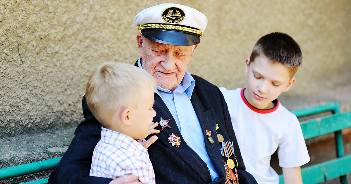 WWII Veteran with Grandchildren